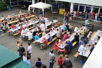 Mit Musik geht es in die Ferien - Das DBG feiert sein traditionelles Eichenfest