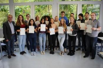 AG Business English – 17 Schüler freuen sich über ihr Zertifikat der Londoner Industrie- und Handelskammer