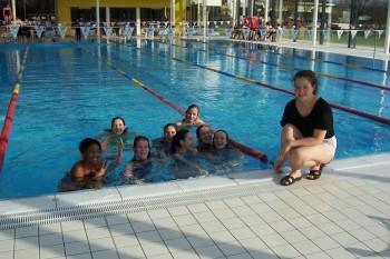 """DBG-Delfine schwimmen aufs Podest -  Schülerinnen erreichen 3. Platz bei """"Jugend trainiert für Olympia"""""""