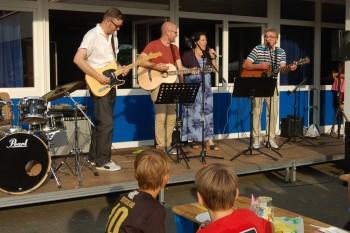 Sommer, Sonne, Eichenfest  - Das DBG feiert das Schuljahresende