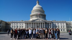 Pressefoto_DBG-Chor vor Kapitol in Washington