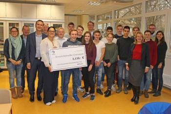 Schüler-Ingenieur-Akademie am DBG - Das Dietrich-Bonhoeffer-Gymnasium freut sich über großzügige Spende