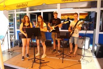 Mit viel Musik in die Ferien  - Das DBG feierte das Schuljahresende