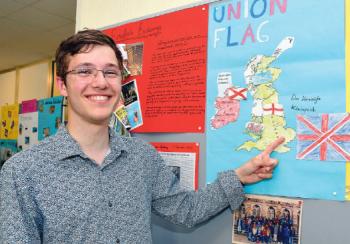 Schüleraustausch eröffnet jungen Menschen neue Perspektiven: Thomas Awad ermuntert Schüler Sprachen und Kulturen zu entdecken / Der junge Engländer war selbst Austauschschüler in Eppelheim
